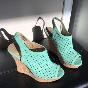 Cato teal wedge